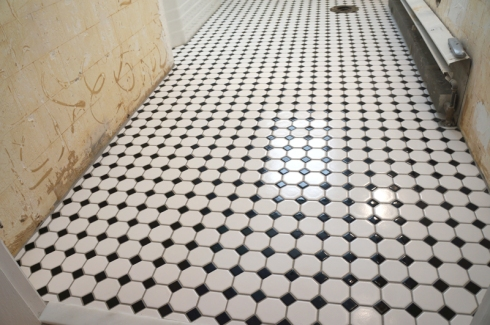 w7 bathroom floor